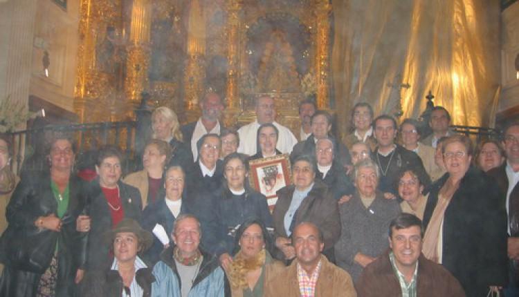 Ofrenda del Foro 2004 – Operación Kilo para LAS HIJAS DE LA CARIDAD DE SAN VICENTE DE PAUL – Sevilla
