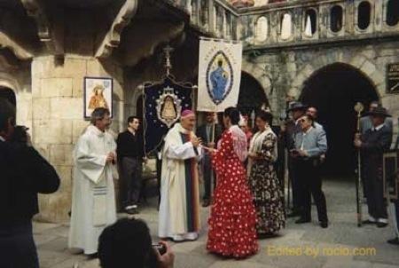 El Obispo y las Hnas. Mayores de Ronda y Bruselas