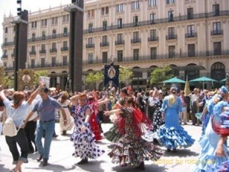 almuerzo árabe bailando cerca de Huelva