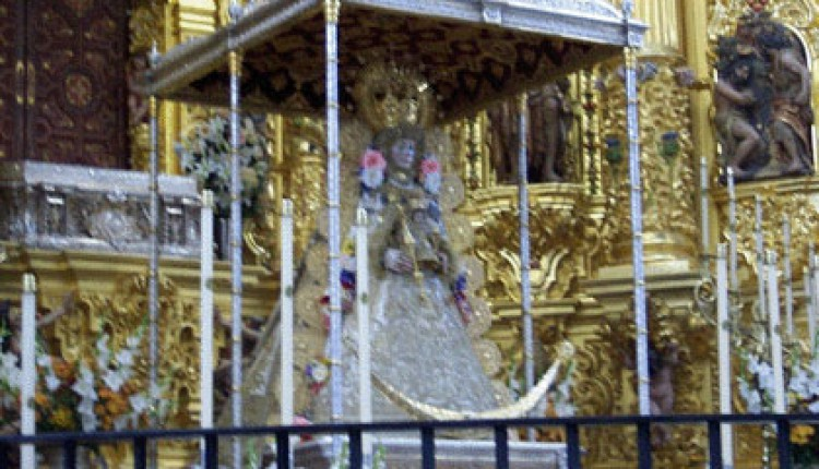 Traslado de la Virgen al Altar Mayor