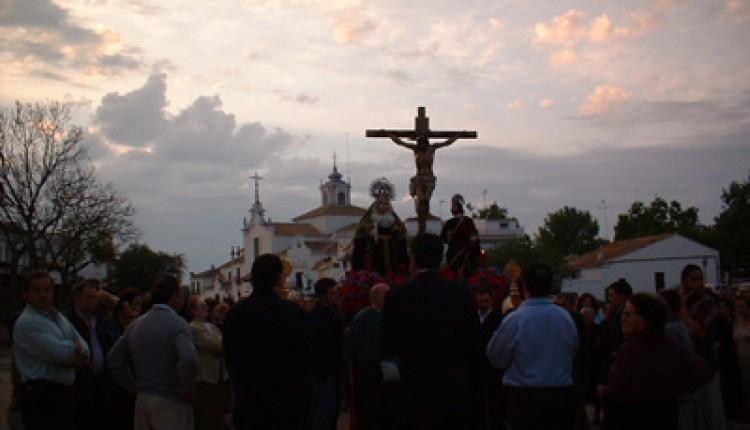 Oficios religiosos de la Semana Santa en la Ermita del Rocío 2014