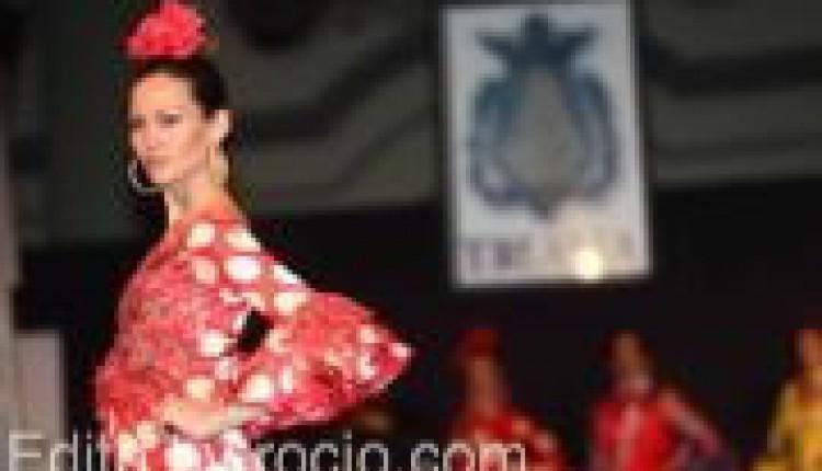 Desfile benéfico de moda para la Hermandad del Rocío de Triana