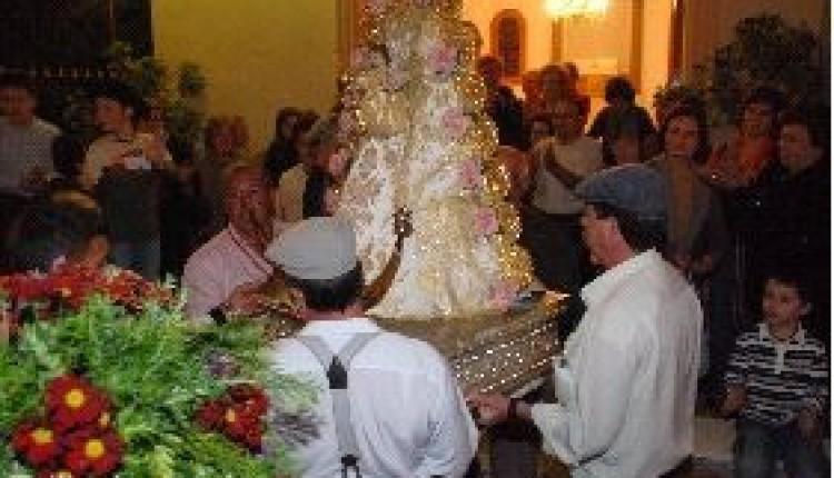 MURCIA – La Virgen del Rocío irá mañana en Romería con jinetes y carro por El Raal