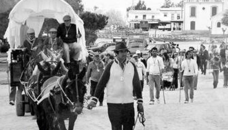 Moguer recuerda la peregrinación de los presos a la aldea de El Rocío