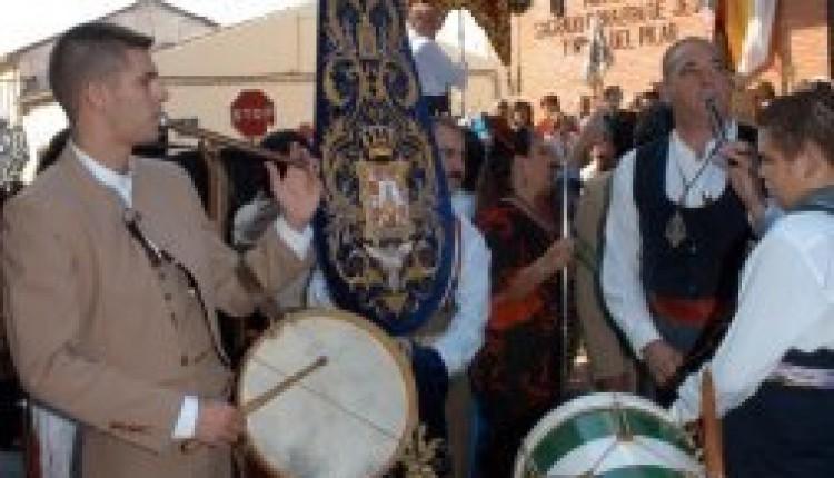 La Hermandad del Rocío de Linares comienza sus preparativos para iniciar el camino