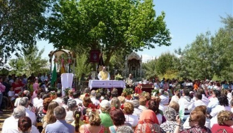Aznalcázar – 50 Aniversario de la Hermandad del Rocío y medalla de plata del Ayuntamiento