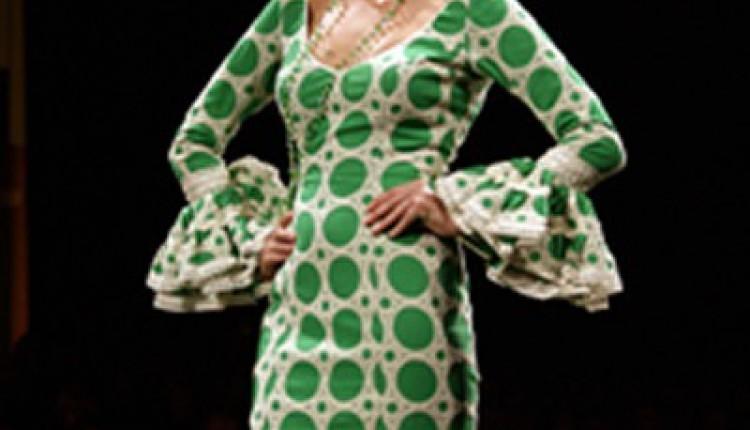 Hermandad de Sanlúcar la Mayor – Pase de Modelos de Trajes de Flamenca