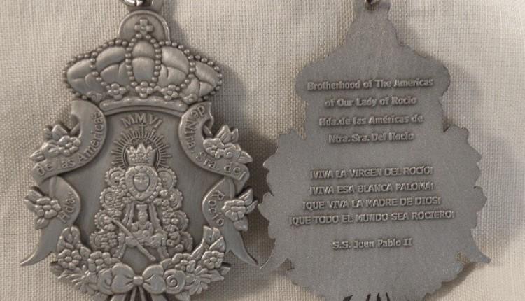 La Hermandad de Las Américas de Nuestra Sra. del Rocio se complace en presentar su medalla