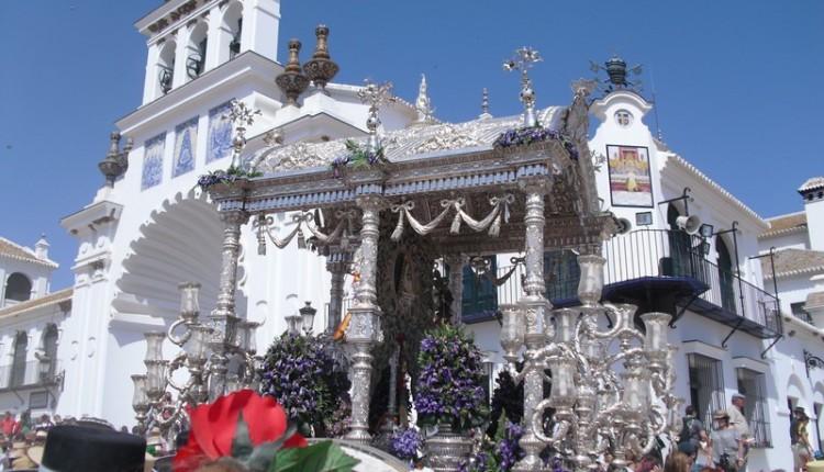 Presentación de Hermandades: Sevilla y Emigrantes de Huelva