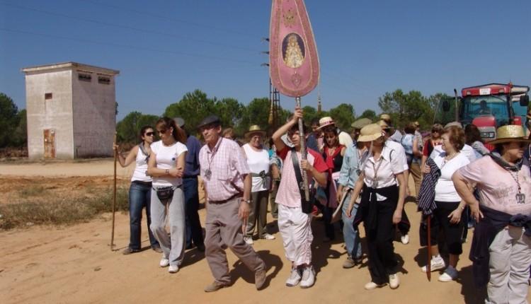 Peregrinación de la Hermandad de Córdoba acompañada de su ahijada, la Hermandad de Moratalaz