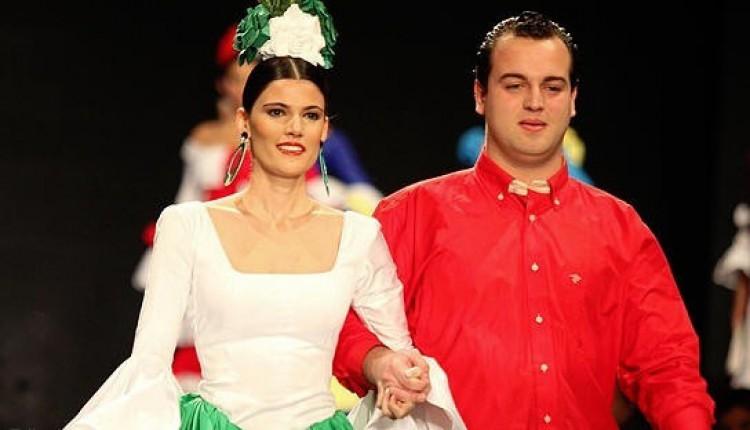 Desfile de moda a beneficio de la Hermandad de Nuestra Señora del Rocío de Tocina