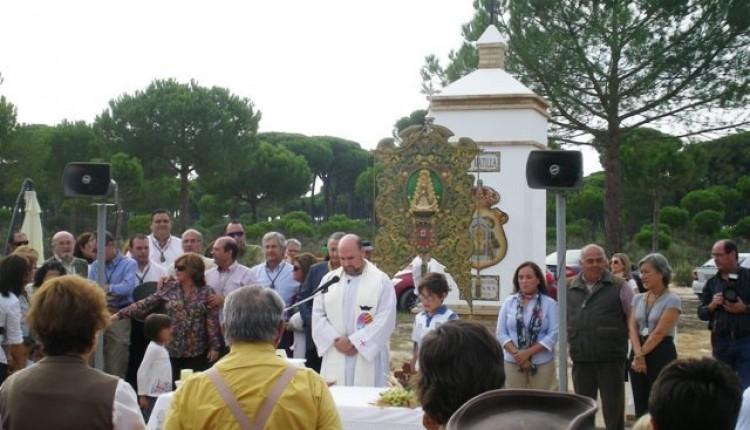 La paella campestre de la Hermandad de Huelva congregó a cerca de una veintena de reuniones