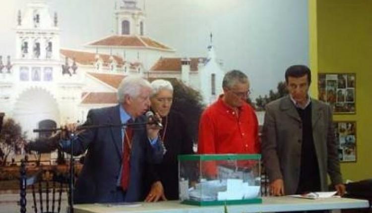ANTONIO ALMAGRO, REELEGIDO HERMANO MAYOR DE LA HDAD DEL ROCIO DE GRANADA