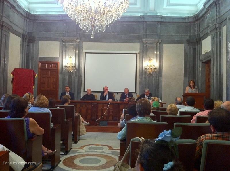 Mesa:José Marín , el Párroco y Director espiritual de la Hdad,  Alcalde de Gines, Hno. Mayor y el VicePresidente de la Casa de la Provincia