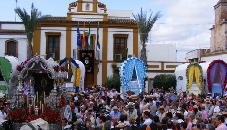 Multitudinaria Salida de las Carretas de Gines hacia el Rocío, Fiesta de Interés