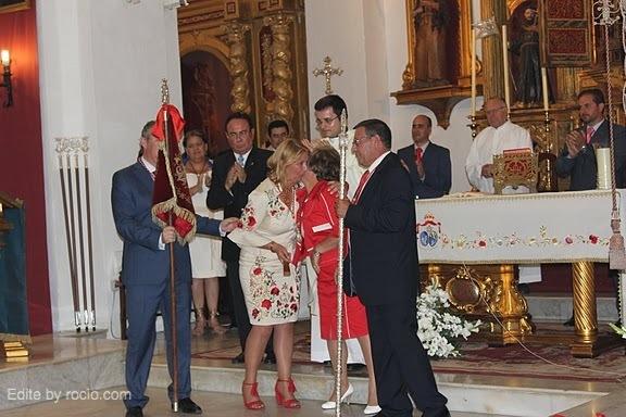 Acto del intercambio del Banderín de la Casa Real entre los Hermanos Mayores .