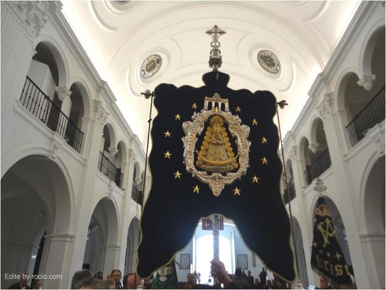 Simpecado de Bruselas en la Ermita de Ntra. Sra.