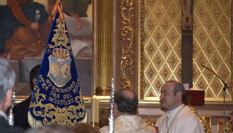 Hermandad de Móstoles – bendición del Simpecao y el del guión de camino