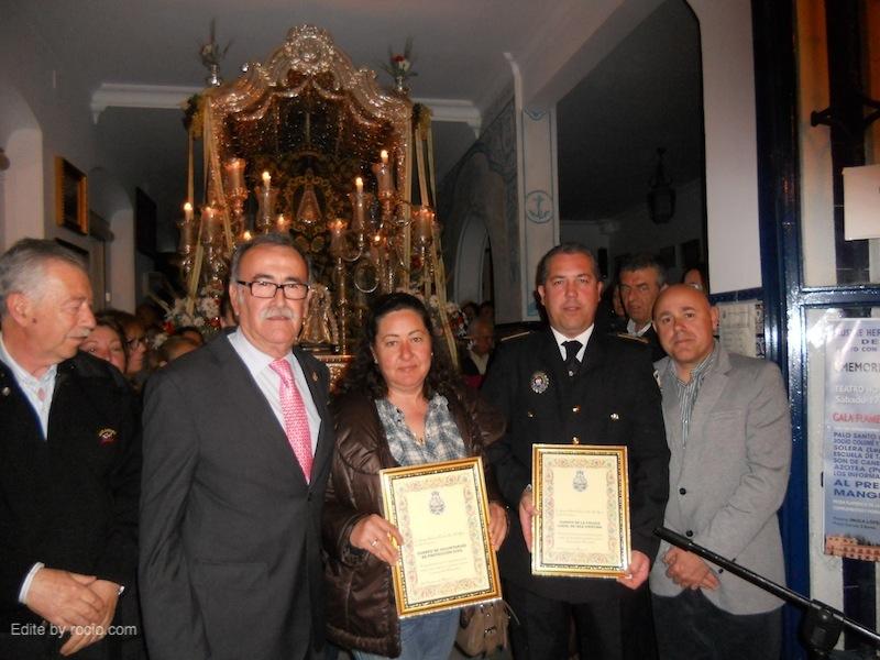 Foto de familia del Hermano Mayor, Presidente de la Hermandad, Segundo Jefe de la Policía y Emilio Bogarín, Concejal de Seguridad.