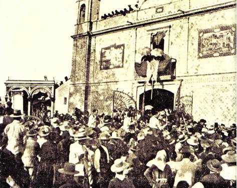 Cajón de la Primera y Más Antigua Hermandad del Rocío de Villamanrique. Año 1919.