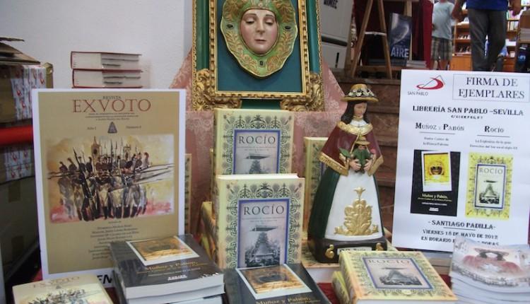 Sevilla – Acto de firmas de ejemplares sobre El Rocío en Librería San Pablo  Santiago Padilla