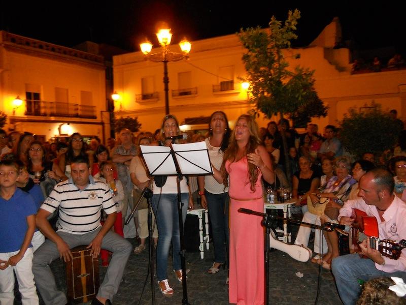 La Fundación Amparo Correa interpretando la Salve