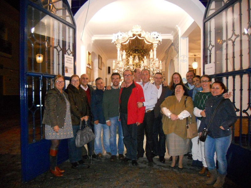 Foto de Familia de toda la candidatura junto con el Presidente Francisco Amorós y el Hermano Mayor para la Romería 2013 Juan Vázquez Malavé