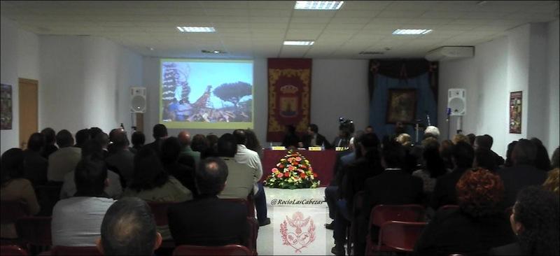 Conferencia La historia de los Traslados de la Virgen del Rocio hasta el pueblo de Almonte por Manolo Galan, delegado de formacion de la Hdad Matriz de Almonte.