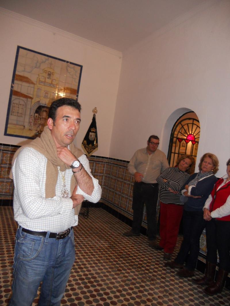 En la Salve que se cantó la noche del sábado el Hermano Mayor Juan Vázquez dirigiéndose a todas las hermanas y hermanos que se congregaron