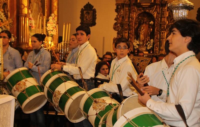 Los tamborileros de la Matriz, durante el concierto de la AM de la Redención.