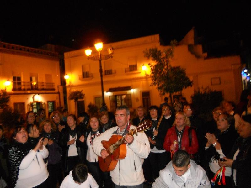 El Coro de Campanilleros de ARATI interpretando Villancicos.