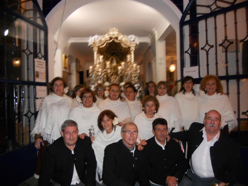 Foto de familia del Coro de la Peña Cultural Flamenca