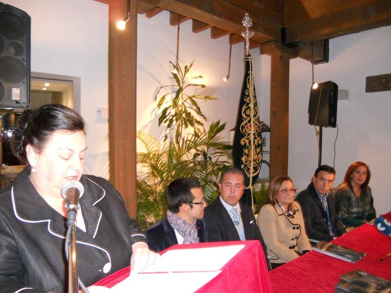 Isabel Perera y mesa presidencial