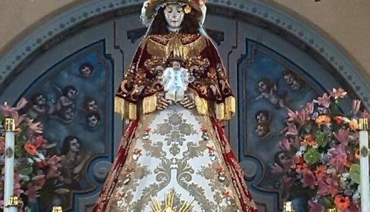 La Virgen del Rocío ya preparada para su Traslado