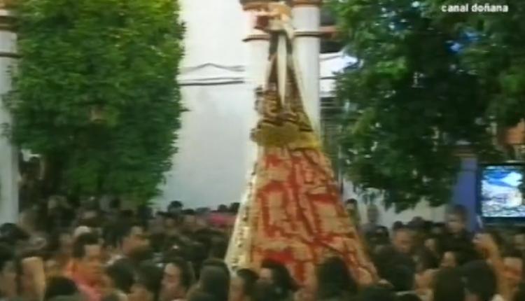 La Virgen en las calles de Almonte