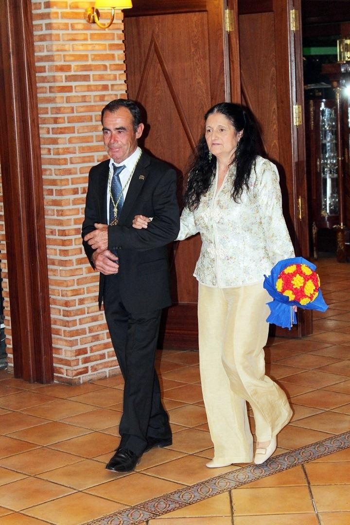 Antonio Gracia, Rociero Saliente, con la Presidenta de las Camareras Lourdes