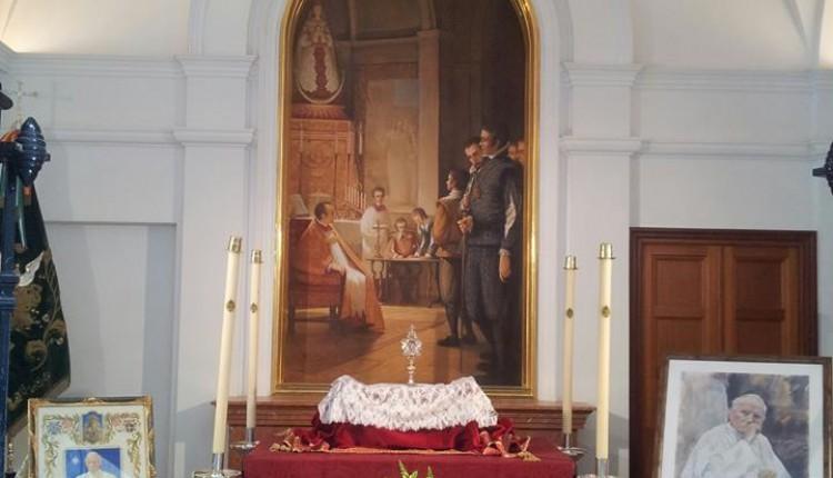 La Reliquia de su Santidad el Beato Juan Pablo II el Papa en el Rocío