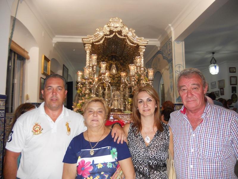 El Presidente y la Hermana Mayor de la Hermandad del Rocío de Villarrasa con el Presidente y Hermana Mayor de la Hermandad del Rocío de Isla Cristina