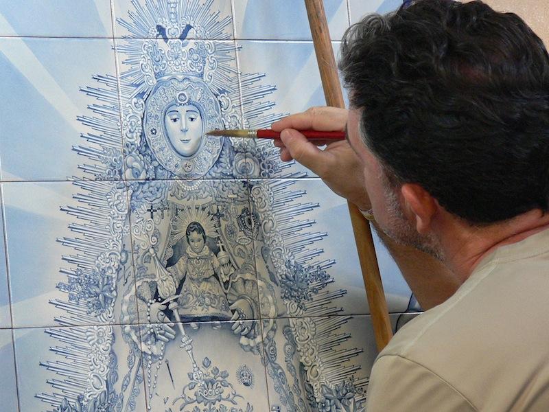 Realizado por el ceramista Carmelo del Toro Ponce