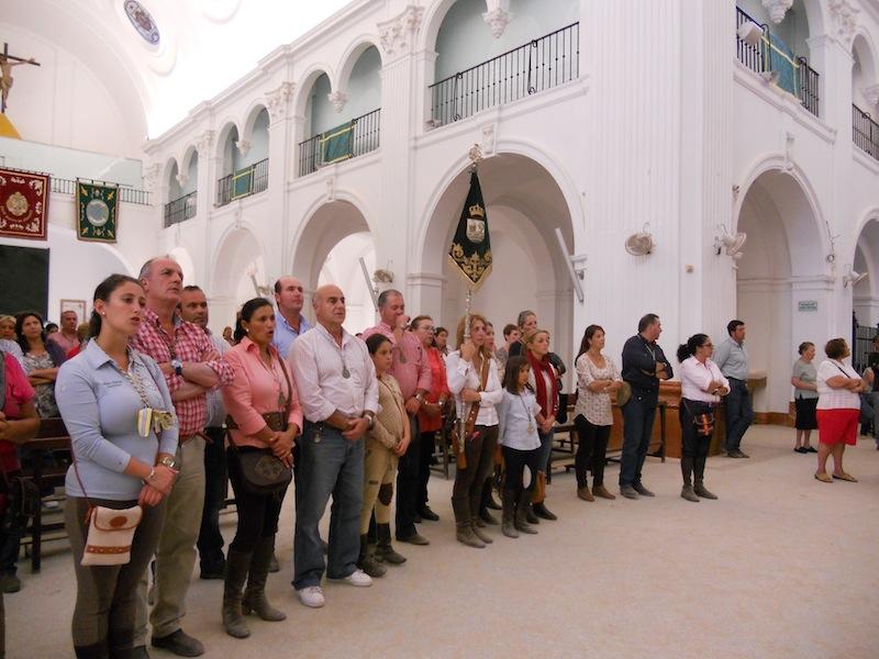 En la Ermita de El Rocío celebrando la Santa Misa