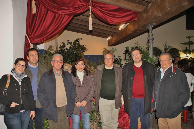 Miembros de la junta de gobierno de la hermandad Matriz y de Cáritas Almonte.