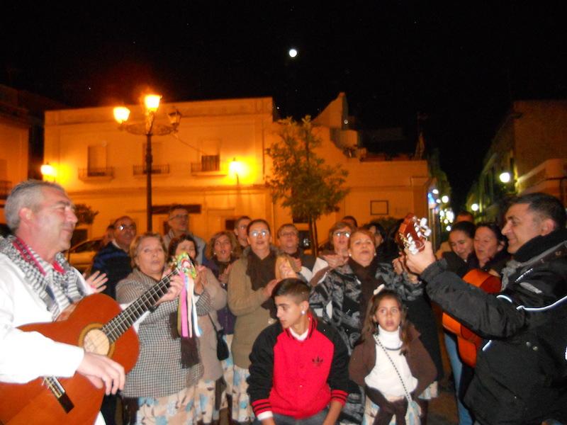 El Coro de Campanilleros de ARATI cantando villancicos