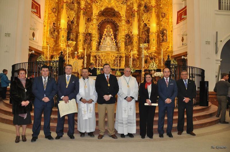Los Presidentes de las Hdades. da Albaida y Santa Fe en la foto con sus nombramientos oficiales