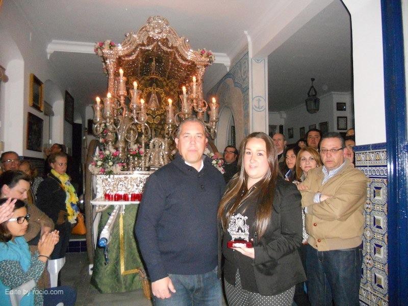 El Presidente de la Hermandad, Pedro Jesús Álvarez con Rocío Galán, Directora del Coro de la Hermandad de Gibraleón