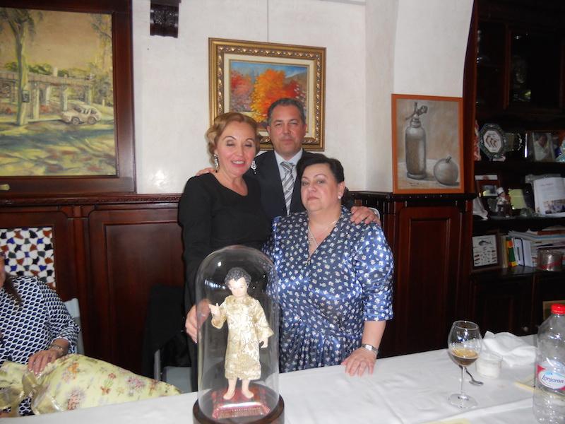 La Pregonera, Pepa Mary Serrano posa con Pedro Jesús Álvarez e Isabel Perera