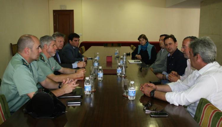 Hermandad de Cabra –  Subdelegación del Gobierno reunión Plan de carreteras cordobesas