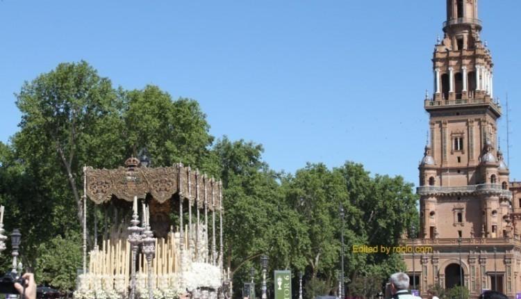 Hermandad de Esperanza Macarena – Solemne Misa Estacional en la Plaza de España de Sevilla