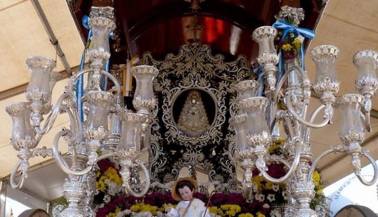 Hermandad de Osuna – El Simpecado y el Pastor Divino de la Hermandad del Rocío se retiran del culto para su restauración