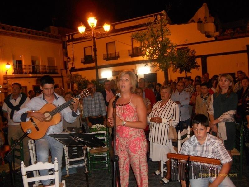 Sara Cáceres cantando la Salve
