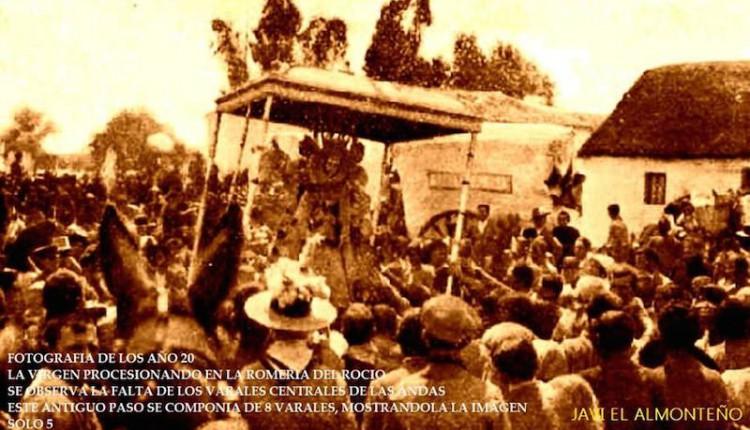 La Virgen en procesión en la romería del Rocío de los años 20